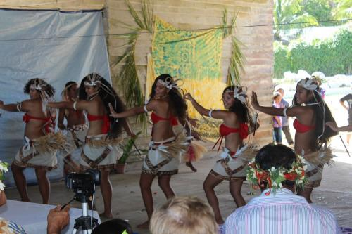 Ngatiarua dancers performing in Mauke 2013